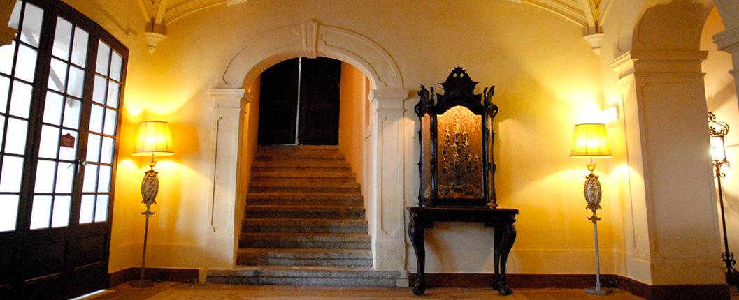 Visita Guiada ao Convento de Nossa Senhora do Espinheiro: Évora, Elites e Memória